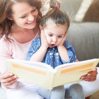 ✨ Para este día de las Infancias te proponemos regalar algo distinto✨ Regala un libro, que potencie la imaginación, despierte su curiosidad, estimule su imaginación. Libros que regalen momentos llenos de juegos, aprendizajes y recuerdos. 🌈📚💛 Te 🎁 un 10% de descuento para tus compras ingresando el CUPÓN: LEEIMAGINASUEÑA en la web 👩🏻💻 #librosinfantiles #amorporloslibros #Libreriainfantilchile #bebe #buencrecer #criarycontar #librosparabebes #libreriainfantil #TiendaOnline #LecturaenelRegazo #Lecturainfantil